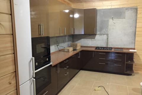 Кухня на заказ коричневая